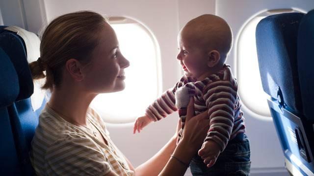 bebê no avião